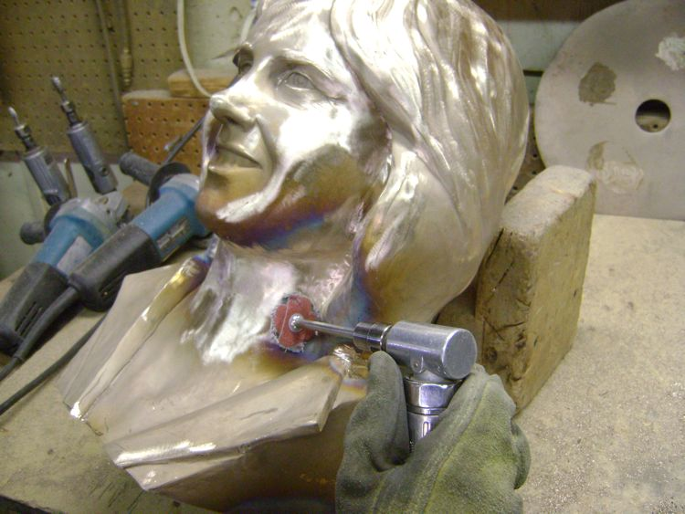 custom-bronze-bust-process-7-patina
