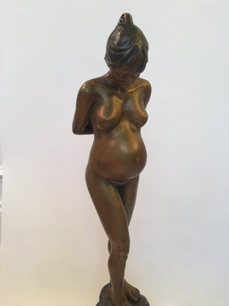 Custom bronze statue expecting3