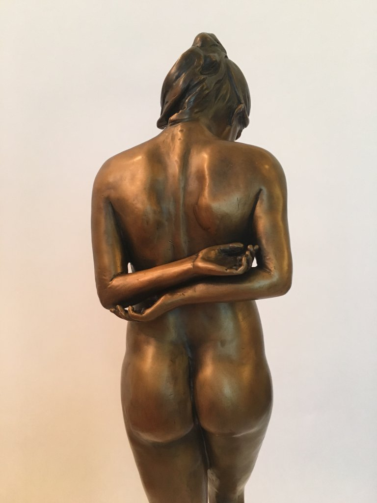 Custom bronze statue expecting